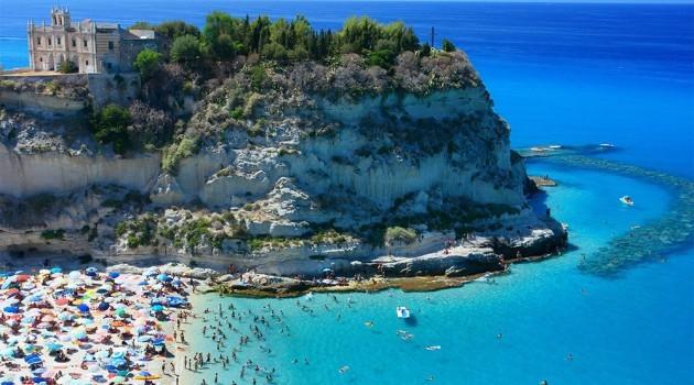 Scopri il fascino di Tropea, fiore all'occhiello della costa tirrenica calabrese